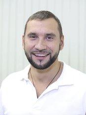 Dr Melnichenko Pavel - Oral Surgeon at The European Centre for Dental Implants - Tepliy