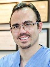 Dr Feras Alkhatib - Orthodontist at Clinic Modern Orthodontic