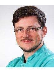Dr Jadran Stojadinovic - Orthodontist at Specialist Dental Office Dentalux