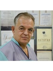 Prof Miroslav Draganjac - Associate Dentist at Stomatološka Ordinacija Caninus