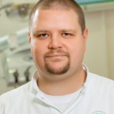 Dr Tibor Sakal