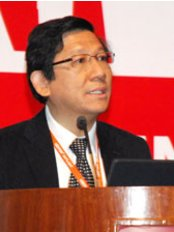 Dr Christopher Sim Kwang Yong - Surgeon at Mount Elizabeth Dental Surgery