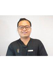 Dr Aizat Nurul - Principal Dentist at Dental @ Uni by FDC
