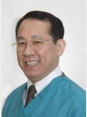 WS Go and Associates Dental Surgeons - Novena - 8 Sinaran Drive, #05-16 Novena Specialist Center, Singapore, 238859,