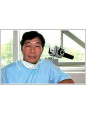 Dr KhooIh Chu - Dentist at Singapore Dental Implant Centre