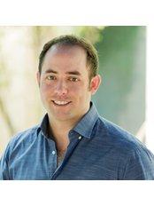 Expat Dental - Dr Matt Thompson
