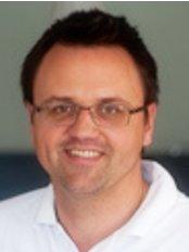Dental Holiday - Dentist Marek Salka