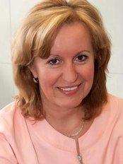 Dr Dana Dugasová - Dentist at Dent plus