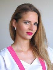 Dr Diana Rezbáriková - Doctor at Sukromna stomatologicka ambulancia MUDr.Pavel DANKO