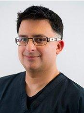 Dr Yusuf Jadwat Specialist in Periodontics - Dr Yusuf Jadwat