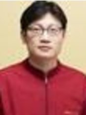 Dr Joseongbeom Ledger - Chief Executive at Plant Dental Clinic