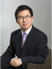 Dr Wook-Dong Kim - Dentist at A Plus Dental Clinic Apgujeong