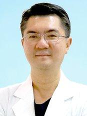 Dr Choi Jae-Yong -  at Hus'Hu Dental  Clinic-Bundang