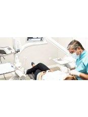 1st First Dentist Consultation - Centro Clínico de Especialidades Odontológicas