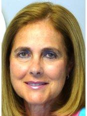 Ms Ana Escudero - Managing Partner at Centro Clínico de Especialidades Odontológicas