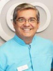 Centro Clínico de Especialidades Odontológicas - Dr. Javier D Aguiar M.