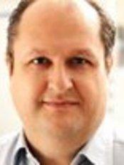 Dr F. Novell Costa - Principal Surgeon at IMOI BARCELONA