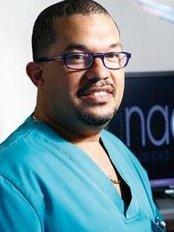 Dr Juan Méndez - Dentist at Nacar Clínicas Dentales - Vilanova