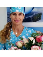 Dr Vanessa Narvaez - Dentist at Dra.Vanessa Narvaez -Clinica y Laboratorio Dental Narvaez