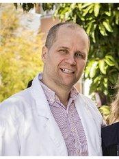 Clínica Medicodental Sinervo S.L - Dr. Pekka Sinervo