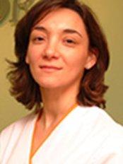 Nuria Escribano - Dentist at Oris - Center Arrecife
