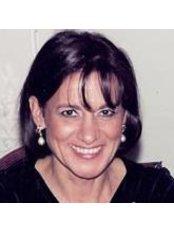 Dr . Morante Victoria Vadillo - Doctor at Clínica Ruiz de Temiño