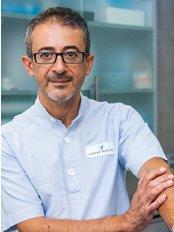 Dr Jose Montes Jimenez - Oral Surgeon at Clinica Cuevas
