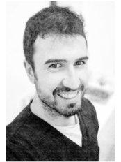 Dr José Barrientos - Dentist at Clínica Tafur