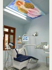 Clinica Dental Althaus & Bondulich - Avenida Jaime III 14, Palma de Mallorca, Balearic Islands, 07012,
