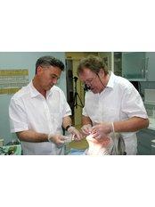 Dental Crowns - Clinica Dental Althaus & Bondulich