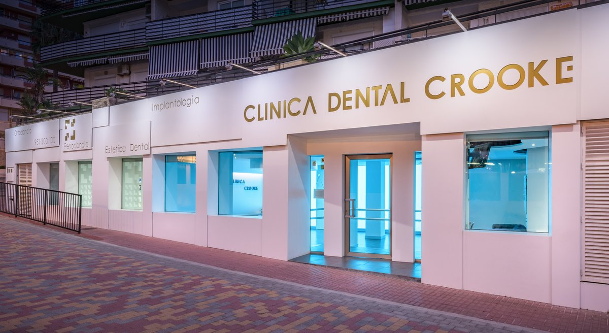 Clinica Dental Crooke & Laguna - Marbella