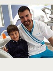 Clinica Futuredent - Marbella Playa - Av. Severo Ochoa Nº 2 y 4, Ed. Miramar Playa, Marbella, Málaga, 29600,