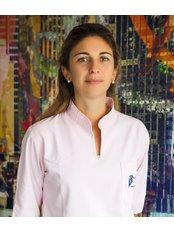 Marta Bahillo Varela - Dentist at Policlínica Dental Bahillo