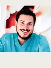 Sigma Clínica Dental - C/Linares - 38, Mairena del Alcor,