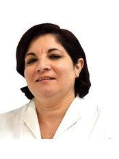 Dr Alicia Alvarez - Dentist at Grupo Clínico Dental Doctor Senís - Colón