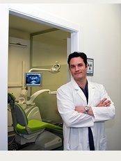 Dr. Vladimir García Lozada   Advanced Implantology - Av. García barbón, Nº114, Bajo., Vigo, Pontevedra, 36201,