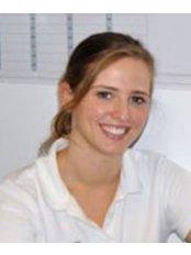 Dr Cristina  Vento - Orthodontist at Névé Clinic