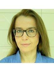 Dr Aneta Lakomska - Dentist at Implantcentre Clinique De Dentisterie Et De Stomatologie