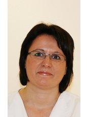 Mrs Ramona Critelli - Nursing Assistant at Vollbezahnt
