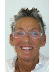 Mrs Kirsti Harris - Dental Hygienist at Vollbezahnt