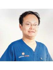 Dr Arnon Arunmuang -  at Dental Image Sukhumvit 24