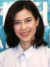 Dr Wadakarn Chaiphinit - Dentist at iDentist Dental Clinic - Chapter One Condo Kaset