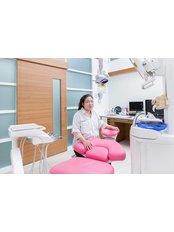 Dr Jantra Sessirisombat - Dentist at Khunchanok Dental Clinic