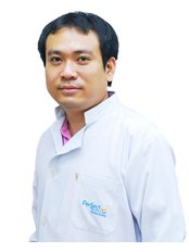 Dr Sirisak Akepisuthasunthorn - Dentist at Perfect Smile Dental Clinic