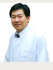 Perfect Smile Dental Clinic - Dr Bundhit Jirajariyavej