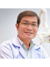 Dr Prinya Tunksook - Orthodontist at Prinya Dental Clinic