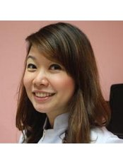 Dr Yingmanee Jermthanes - Dentist at Say Cheeeze Dental Clinic
