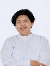 Prof Wacharaporn Thosaporn - Dentist at Kitcha Dental Clinic
