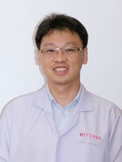 Dr Panurat Limpasirisuwan - Dentist at Kitcha Dental Clinic