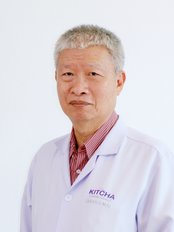 Dr Kitcha Tungthangthum - Dentist at Kitcha Dental Clinic